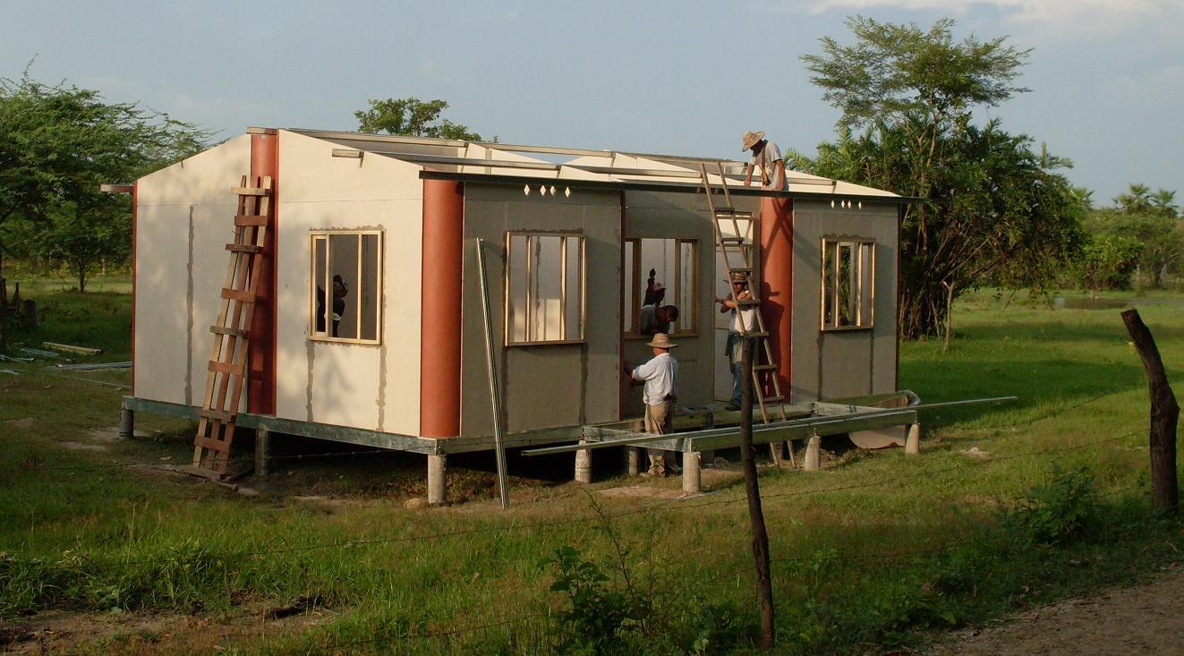 Reubicaci n de viviendas arquitectiando - Casas rurales prefabricadas ...