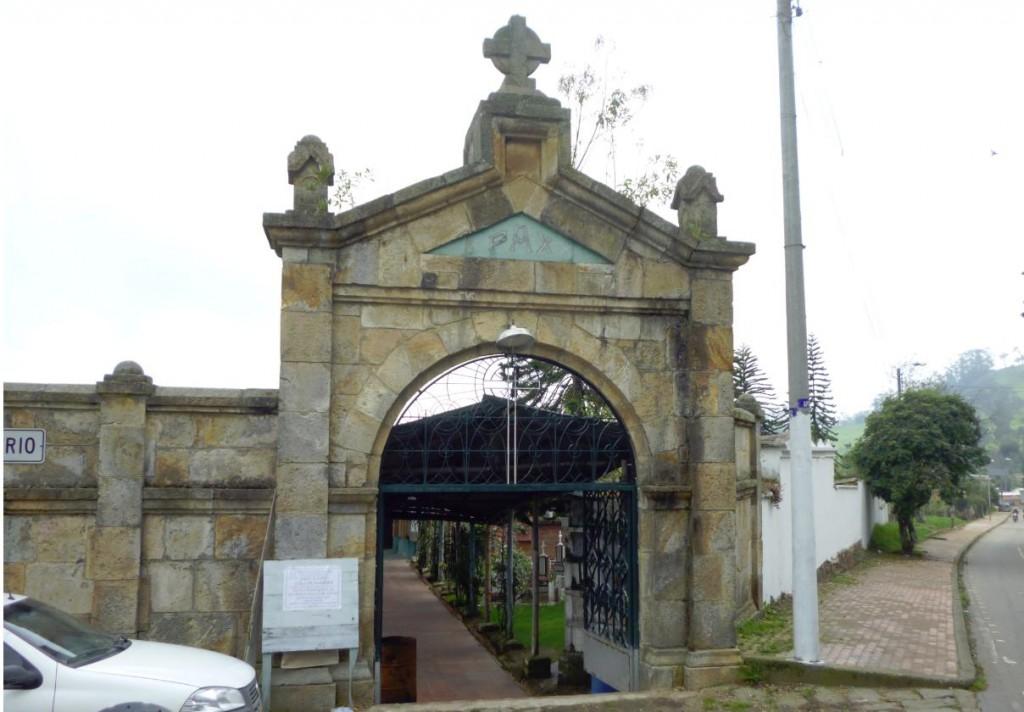 Cementerio del pueblo de Alban Cundinamarca